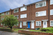 2 bedroom Flat for sale in Boston Manor Road...