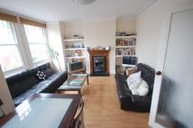 Flat to rent in Leighton Road, Ealing...