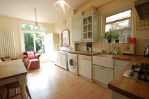 Flat to rent in Northcroft Road...