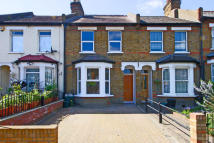 3 bed property for sale in Eccleston Road, Ealing...