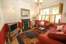 Flat in Windermere Road, Ealing