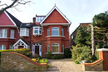 5 bed property in Lyncroft Gardens, Ealing...