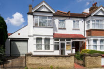 3 bedroom house in Haslemere Avenue, Ealing...