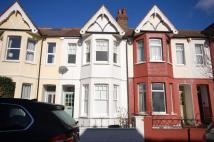 3 bed property to rent in Devonshire Road, Ealing...