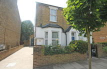 Flat to rent in Grosvenor Road, Ealing