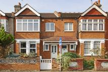 4 bedroom house in Raymond Avenue, Ealing