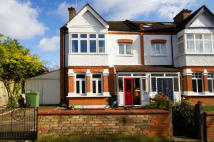 3 bed house in Park Road, Hanwell