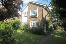 2 bedroom Flat in Brentmead Close...
