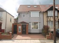 4 bed home in Verulam Road, Greenford