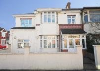 4 bed property in Balfour Avenue, Hanwell