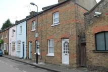 2 bed house to rent in Warwick Place, Ealing...