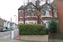 4 bed property to rent in Drayton Green, Ealing...