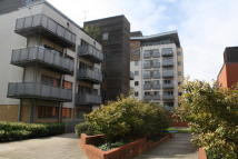 2 bed Flat in Aqua House, Park Royal...