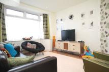 3 bed property in Bridge Avenue, Hanwell...