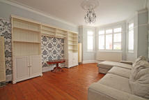 4 bed house to rent in Rosemount Road, Ealing...