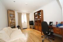 3 bedroom Flat in Hamilton Road, Ealing...