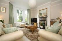 4 bedroom property to rent in Grove Avenue, Hanwell...