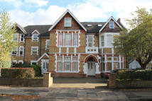 Flat to rent in St Leonards Road, Ealing...