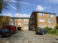 3 bed Flat for sale in Golden Manor, Hanwell...
