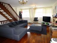 4 bedroom Town House to rent in Limewood Close, Ealing...