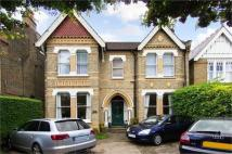 Flat in Madeley Road, Ealing...