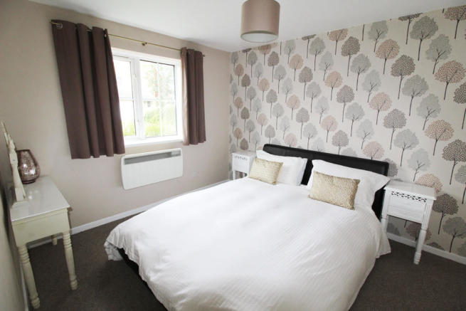 2 Bedroom Apartment For Sale In Claymore Place Windsor Quay Cardiff Cf11