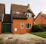Lychpit Detached house to rent