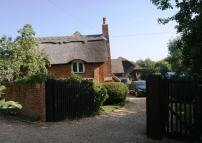 Detached house in Rotherwick, Hampshire