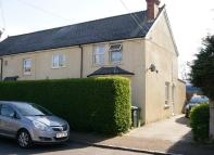 Maisonette to rent in Mortimer