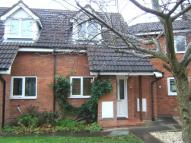 Town House to rent in Beaconside Close...