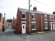 2 bedroom End of Terrace house to rent in Pine Street...