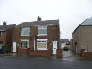 semi detached house to rent in Barnfield Road...