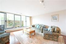 Flat for sale in Gateway House...
