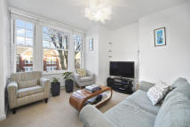 property to rent in Cavendish Road, Clapham Common, SW4 0DG