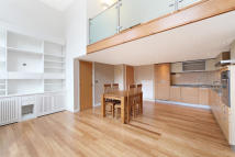 Apartment to rent in Reed Place, Clapham SW4