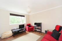 2 bed Apartment in Crescent Lane...