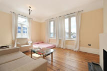 Flat to rent in Balham High Road...