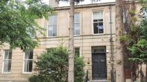 Flat to rent in Queen Square...