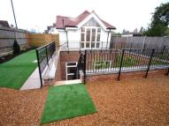 Bungalow to rent in Nettleden Avenue...