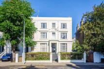 Studio flat to rent in Pembridge Villas...