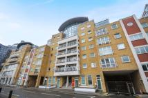 2 bed Flat to rent in Oyster Wharf...