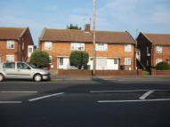 Ground Flat in SEASIDE, Eastbourne, BN23