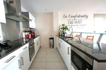 Apartment to rent in Widmore Road, Bromley