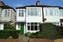 3 bedroom semi detached property in Gundulph Road, Bromley