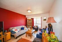 Brangwyn Crescent Flat to rent