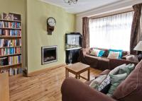 property to rent in BROADWAY GARDENS, MITCHAM