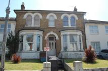 Flat to rent in Beulah Road...
