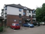 Flat in FAIRFIELD CLOSE, MITCHAM