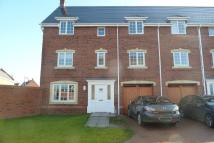 5 bed semi detached home in Ironwood Avenue...