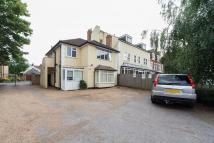 Flat to rent in Merton Road...